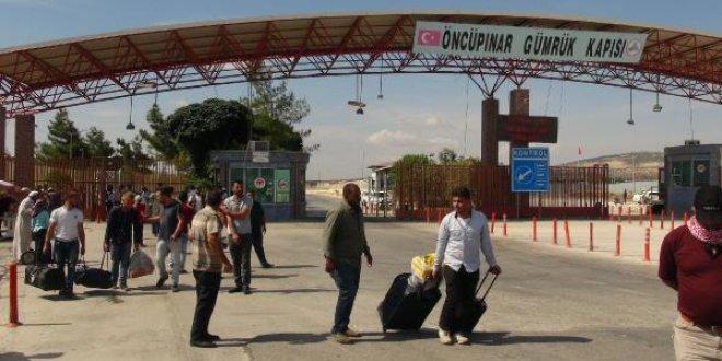 Bayram tatilini tamamlayan Suriyeliler Türkiye'ye dönüyor