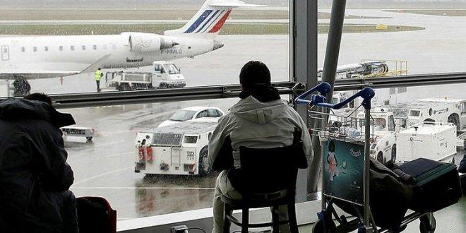 Fransa'da havalimanında haraketli dakikalar