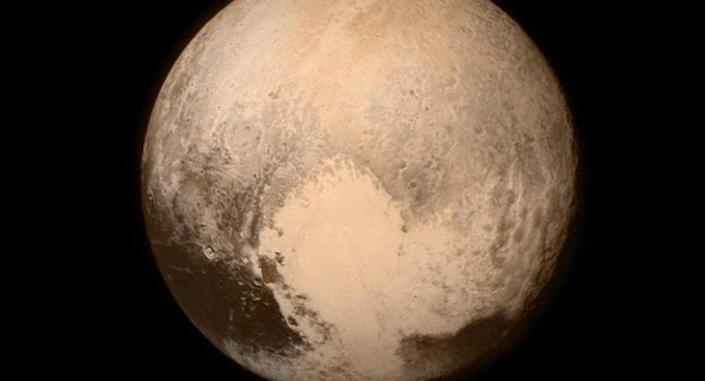 'Plüton yeniden gezegen sayılsın' çağrısı