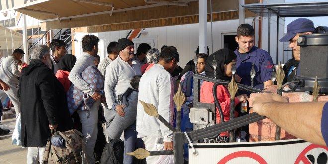 Çanakkale'de botta göçmenler yakalandı