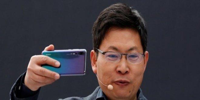 Huawei'den katlanabilir akıllı telefon hamlesi