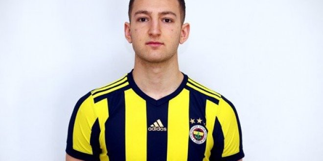 Fenerbahçe'nin genç oyuncusu futbola ara verdi