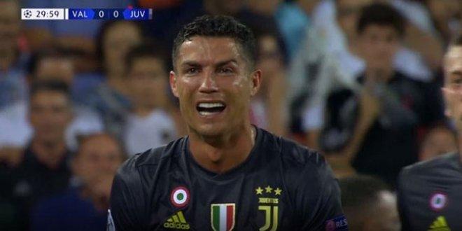 Ronaldo gözyaşlarını tutamadı!