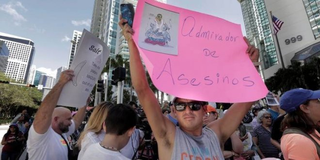 Nusret'e Maduro protestosu