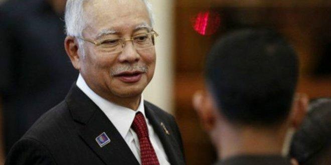 Eski Malezya Başbakanı'na yolsuzluk suçlaması