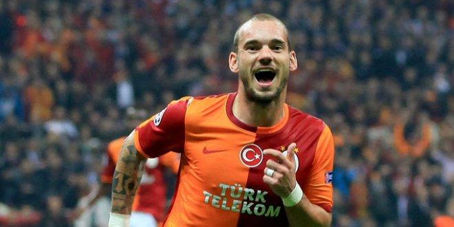 Sneijder trafik kazası geçirdi