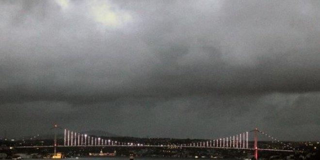 İstanbullular soğuk havaya uyandı