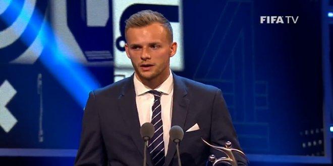 Erzurumsporlu futbolcu da dev gecede ödül aldı!