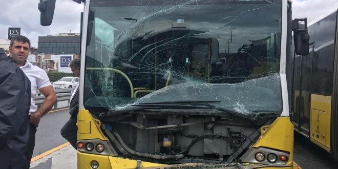 Okmeydanı'nda metrobüsler çarpıştı!