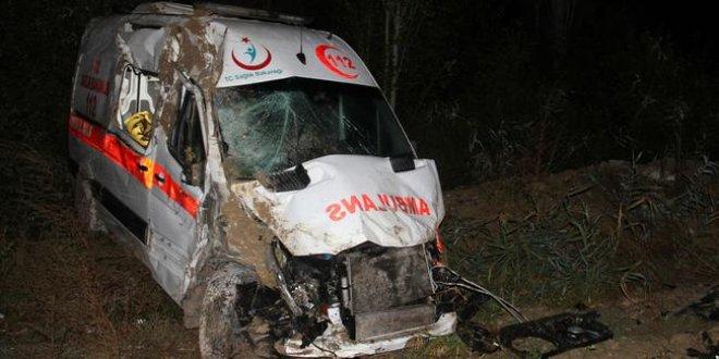 Konya'da ambulans şarampole devrildi