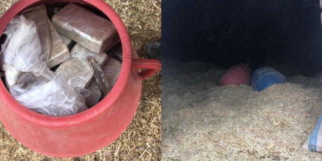 Samanların içinden 74 kilo eroin çıktı