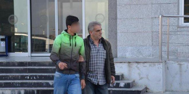 Atatürk'e hakaret eden hainler tutuklandı