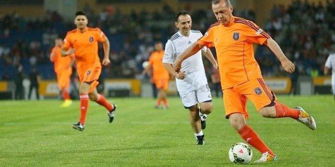 Erdoğan'ın da oynayacağı maçın kadrosu belli oldu