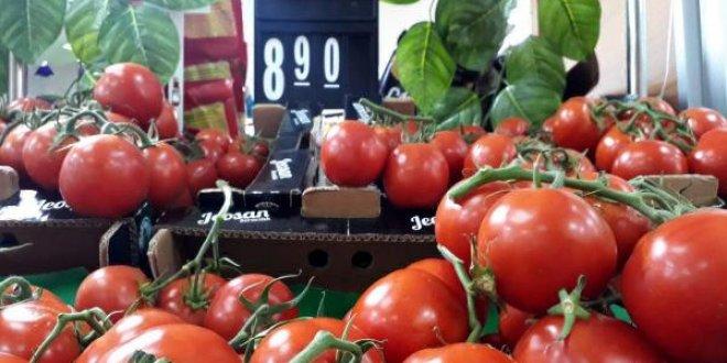 Domates tarlada 3.60, market 8.90 TL