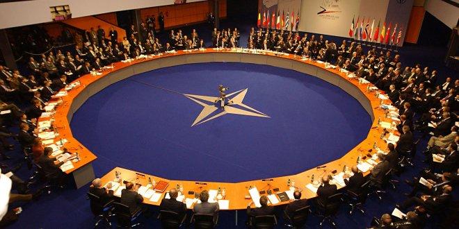 Makedonya NATO'ya girebilmek için adını değiştiriyor
