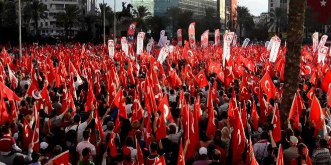 """""""29 Ekim'i devlet kutlamazsa, millet kutlamayı bilir"""""""
