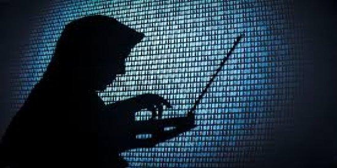 Türk hackerdan Apple'a tehdit