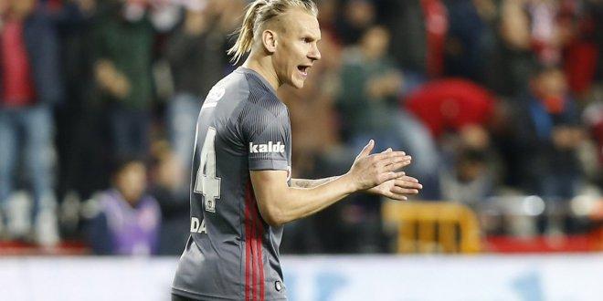 Beşiktaş, Vida'ya verilen teklifi yetersiz buldu
