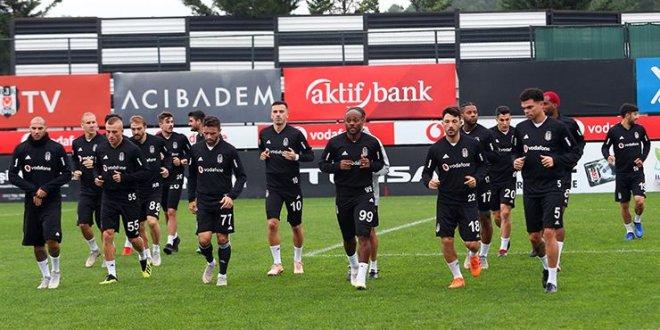 Beşiktaş'ta 4 oyuncu yolcu