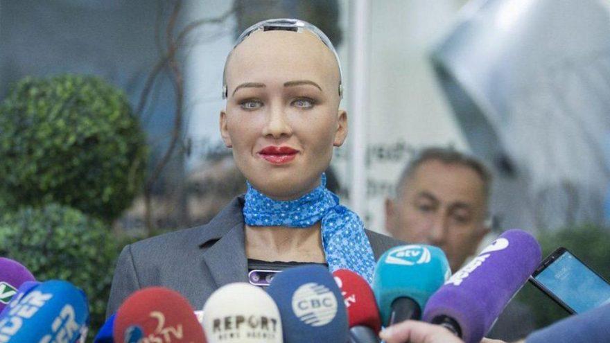 Robot Sophia'dan bir ilk daha
