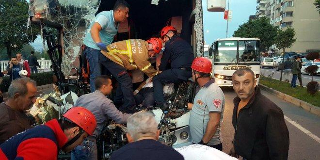 Yolcu otobüsü TIR'a çarptı…