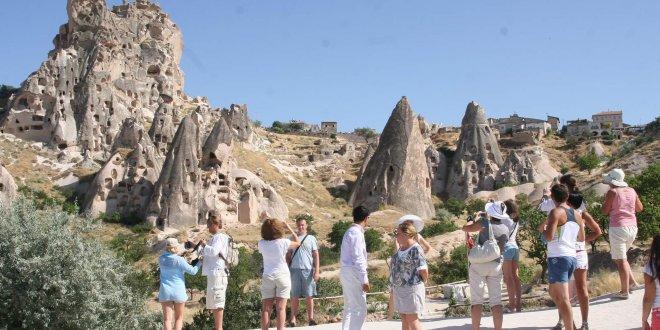 Asgari ücretle çalışan Fransız Türkiye'de 17 gün tatil yapabiliyor