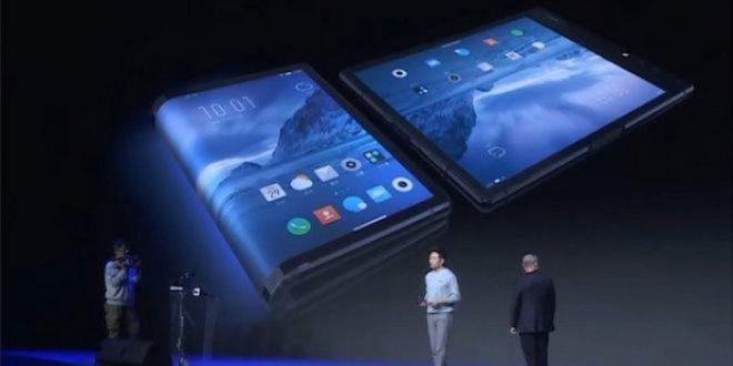 Ekranı katlanabilen ilk akıllı telefon tanıtıldı