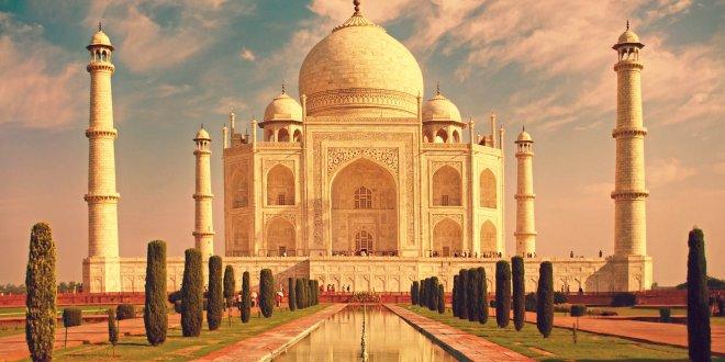 Tac  Mahal'de namaz yasağı!
