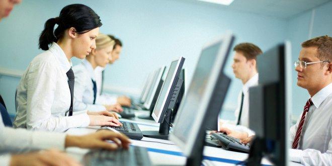 Türkiye'de çalışanların yüzde 70'i mesai saatleri dışında da çalışıyor