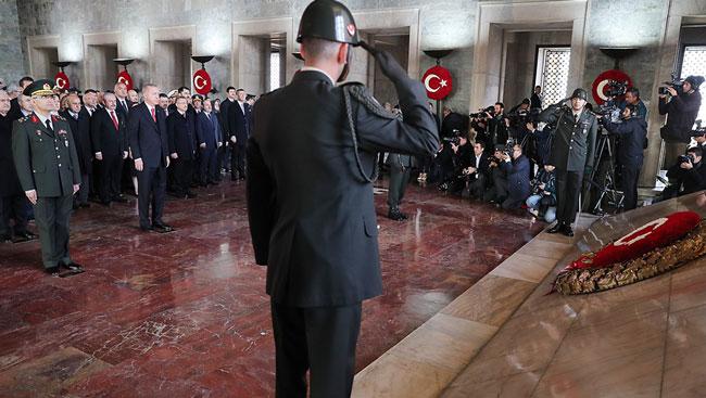 Anıtkabir'de tören krizi