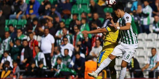 Konyaspor ikinci yarı açıldı, 2-0!