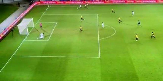 Futbol dünyası Habib Habibou'nun golünü konuşuyor