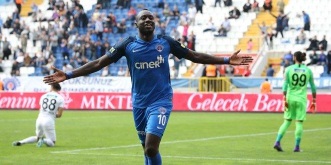 Mbaye Diagne'den örnek davranış