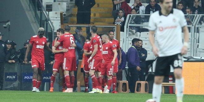 Beşiktaş Sivasspor'a takıldı
