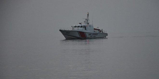Göçmen teknesi battı: 10 kişi kayıp
