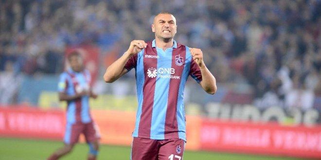Burak Yılmaz, Trabzonspor'dan ayrılıyor