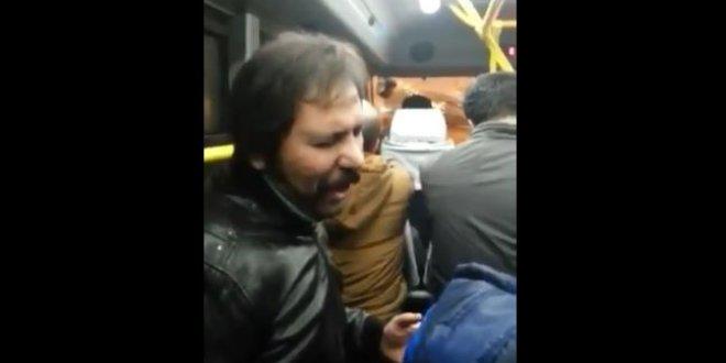 Sosyal medya dolmuşta şarkı söyleyen yolcuyu konuşuyor