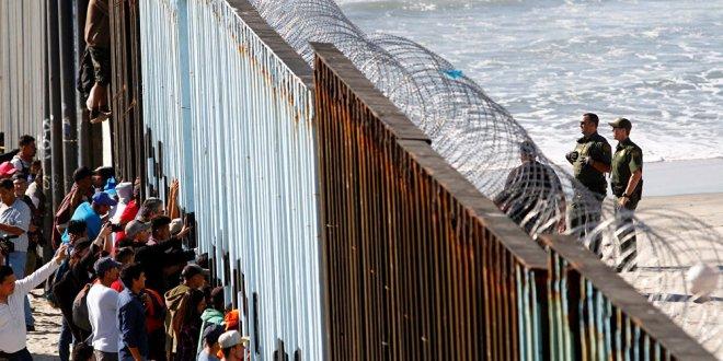 Orta Amerikalı göçmenler ABD sınırında