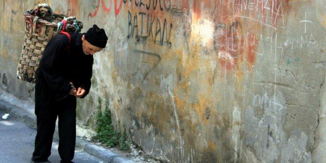 Vatandaş yoksullukla boğuşuyor