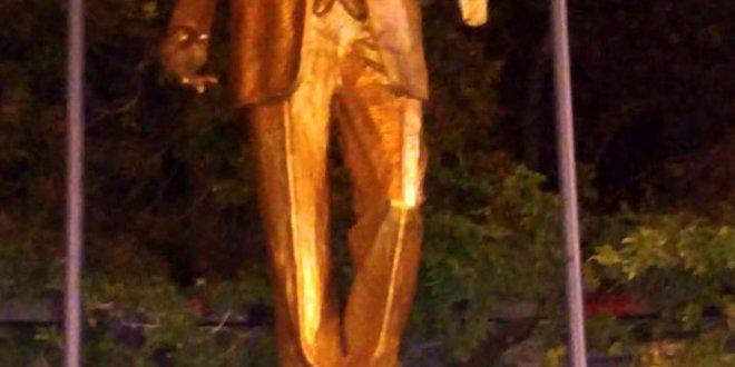 Antalya'daki Atatürk heykeline saldıranlara gözaltı