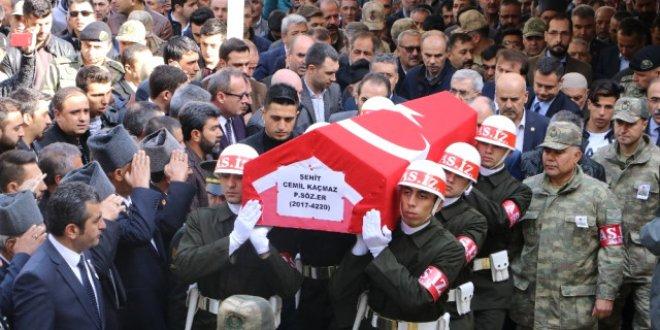 Şehit Cemil Kaçmaz,son yolculuğuna uğurlandı