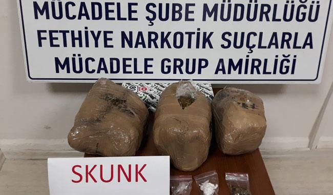 İstanbul'dan getirdikleri uyuşturucu ile yakalandılar