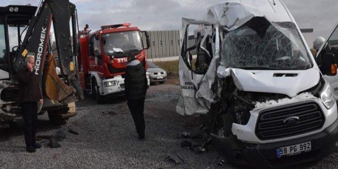 Çorlu'da trafik kazası: 14 yaralı!