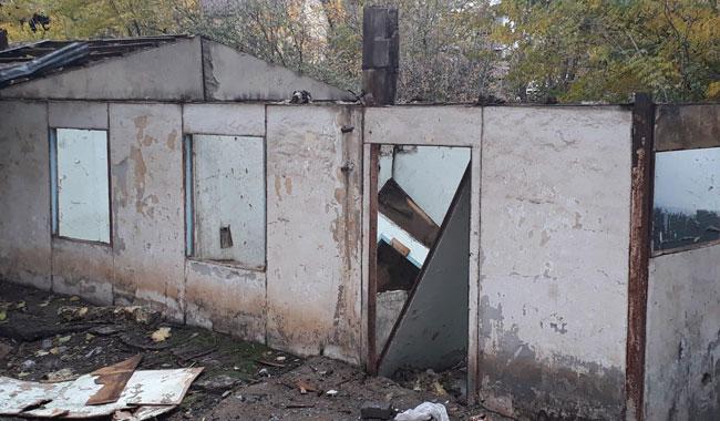 Bingöl'de uyuşturucu kullanılan 2 metruk yapı yıkıldı