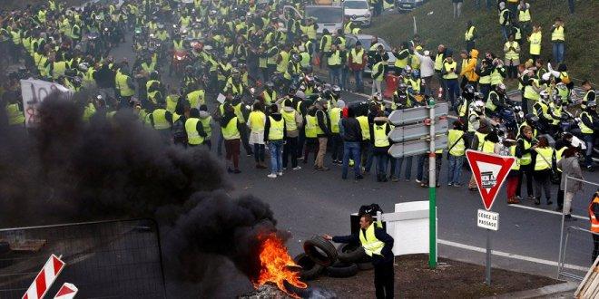 Fransa'da akaryakıt zammı protestosu kanlı bitti