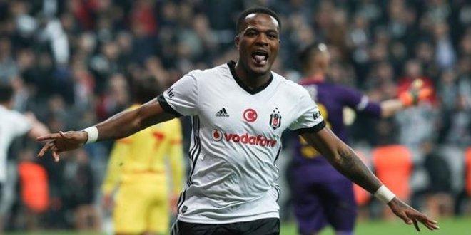 Beşiktaş Larin'le ilgili kararını verdi
