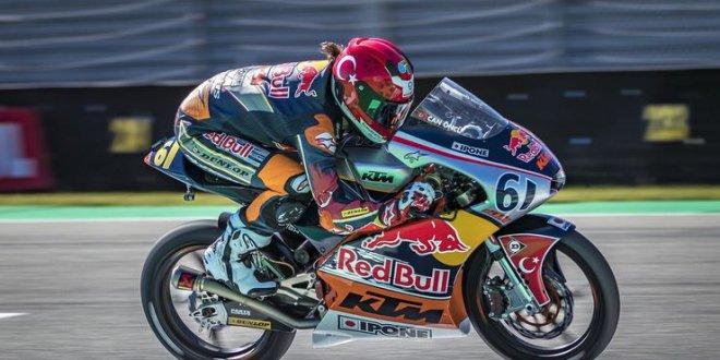Moto3'te yarışan Can Öncü'den tarihi başarı!