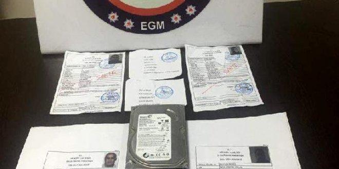 Suriyelilere sahte izin belgesine suçüstü
