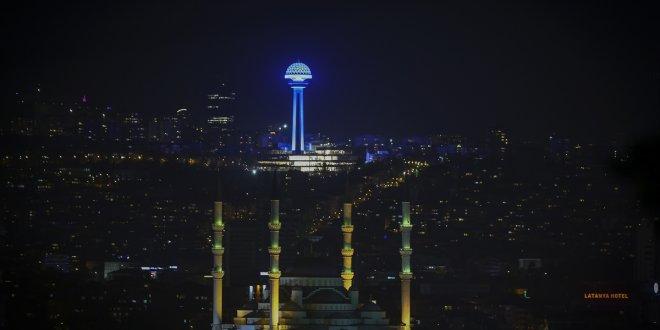 İstanbul çocuklar için maviye büründü