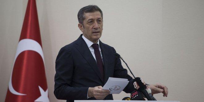 Milli Eğitim Bakanı Ziya Selçuk'a istifa çağrısı